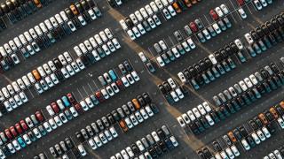 30% срив на продажбите на нови автомобили в България