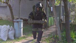 Изровиха пълен с експлозиви бидон в Кърджалийско