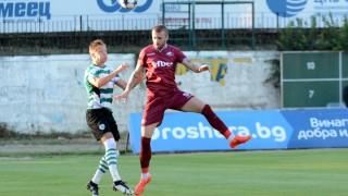 Мартин Тошев отново поема към чужбина?