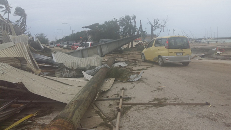 Голяма част от Тонга остана без ток, след като тропическият