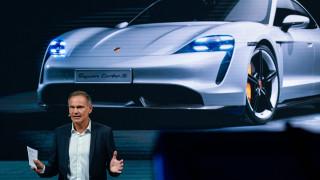 """Шефът на Porsche: Има """"много сериозен"""" недостиг на чипове глобално"""