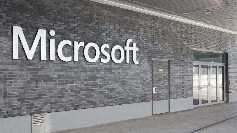 Технологичният гигант Microsoft обяви, че ще предложи услугата за кибер
