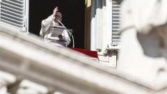 Папата припомни за драмата на бежанците