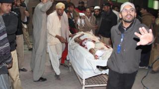 Нови самоубийствени атентати в Пакистан, 14 жертви