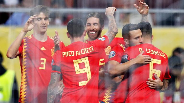 Отборът на Испания продължава с безапелационното си представяне в група