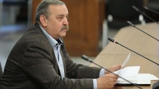 Кантарджиев прогнозира колективен имунитет, препоръча маски на закрито