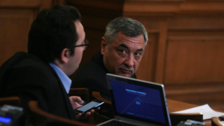 ПФ е зад правителството, докато се спазва програмата, обяви Симеонов