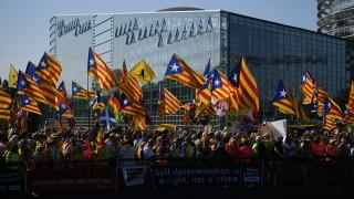 Хиляди каталунци протестират пред ЕП