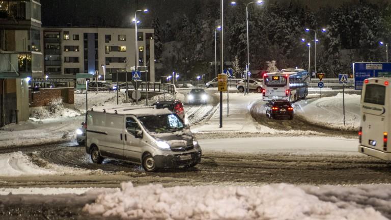 Над 7 хиляди домакинства във Финландия са без ток