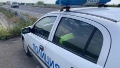 Мъж се опита да прегази с колата си полицаи в София