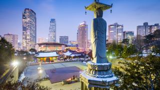 Китай частично премахва забраната за групови екскурзии до Южна Корея