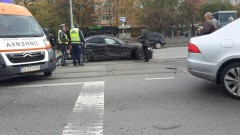 Четирима пострадали при катастрофа на полицейски микробус и 2 коли