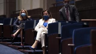 Пелоси иска премахване на паметници от Капитолия