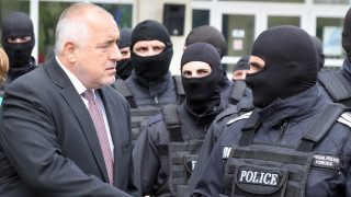 Борисов не бързал да иска и приема оставка