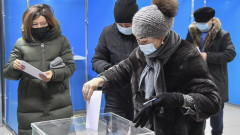 Управляващата партия печели вота в Казахстан