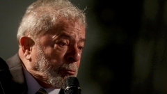 Лула остава кандидат-президент на партията си, въпреки делото за корупция