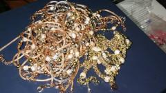 Задържаха над 2 кг злато на ГКПП Лесово