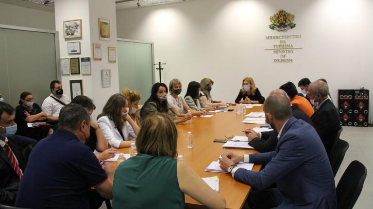 Работещи икономически и социални решения за туризма иска Марияна Николова