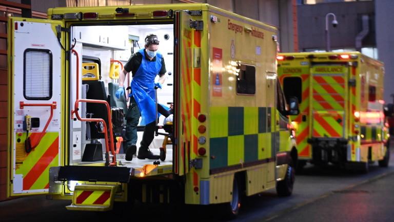 Британия се готви да мести пациенти с коронавирус в хотели