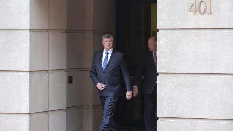 Журито по делото срещу Пол Манфорт не достигна до решение.