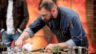 "Chef Андре Токев дава майсторски урок за пиле ""ballotine"""