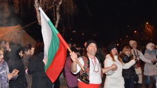 Хиляди българи посрещнаха Новата 2016-а по площадите