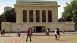 Мавзолеят в София се завръща, засега символично
