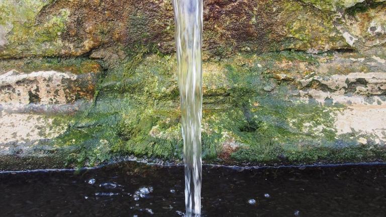 Откриха бактерии във водата на общствените чешми на Горна Оряховица