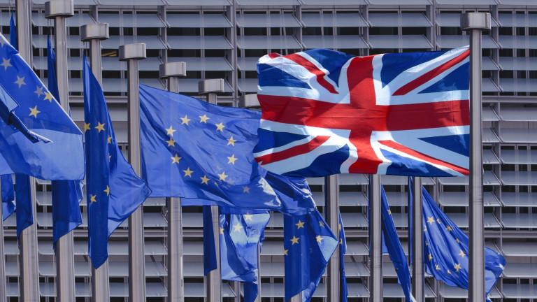Отлагане на Брекзит ще има - ЕС и британският парламент подкрепиха Тереза Мей