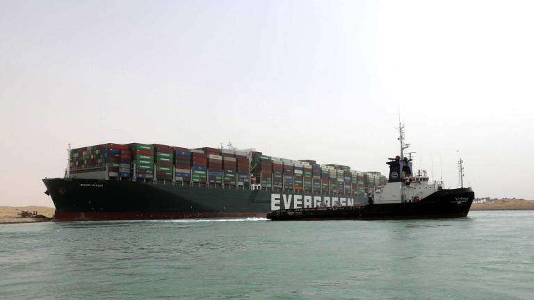 Заради блокирания Суецки канал, корабите започнаха да заобикалят Африка