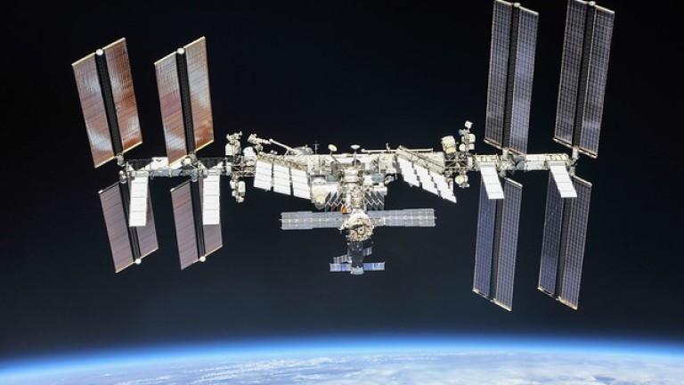 Астронавти на НАСА започнаха 6-часова космическа разходка