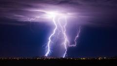 Какво да правим при гръмотевична буря, ако сме навън