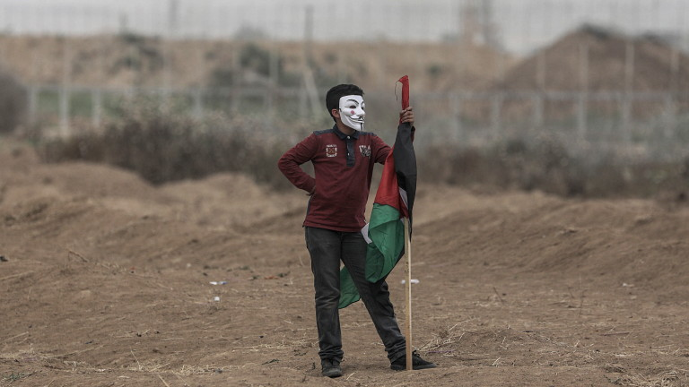 Израелските военни убиха трима палестинци на границата при Газа