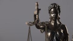 Три години по-късно пращат на съд двама мъже за блудство с непълнолетна