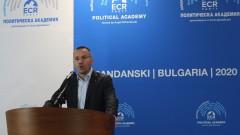 Джамбазки: Никой у нас не забелязва какво се случва в Европа