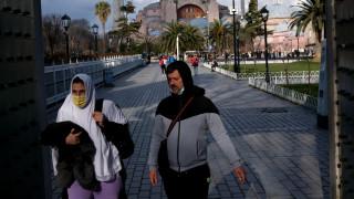 Турция връща ограниченията след рязък скок на коронавирус случаите