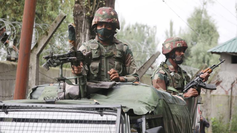 Китай и Индия се обвиняват взаимно за първо използване на огнестрелни оръжия от 45 години
