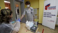Русия отчита спад на новозаразените и починалите от COVID-19