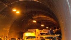 """Пуснаха движението през обновената тръба на тунела """"Витиня"""" на """"Хемус"""""""