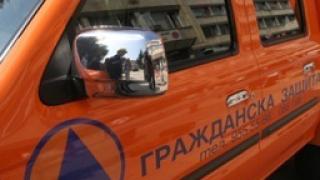 Рухнала подпорна стена смачка 6 коли в Благоевград