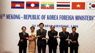 """АСЕАН """"клекна"""" на Пекин за Южнокитайско море"""