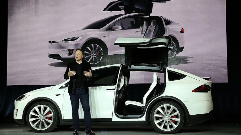 Стойността на активите на производителя на електромобили Tesla нарасна значително