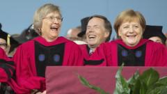 """Меркел се прицели в Тръмп в реч да се """"съборят стените"""""""