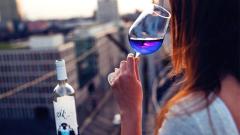 Продажбите на бира и вино в света намаляват. На твърдия алкохол растат
