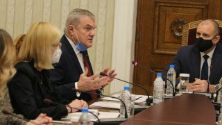 Румен Петков не вижда друг президент за левицата освен Радев