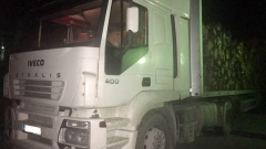 Задържаха камион с 30 куб. м незаконно добита дървесина в Бургас
