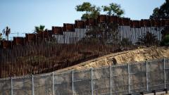 Стената по границата с Мексико ще се строи без обществена поръчка