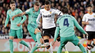 """Реал (Мадирд) си тръгна с точка от """"Местая"""" след уникална драма с Валенсия"""