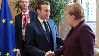Макрон и Меркел звънят на пожар на Путин за Сирия