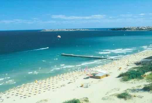 Мостикът на централния плаж в Слънчев бряг - незаконен